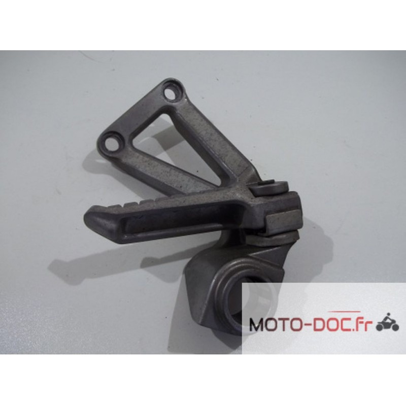 Platine repose pied passager droit KAWASAKI 600 ZX6R