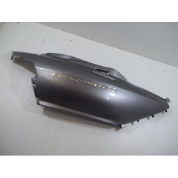 Flanc de selle droit SUZUKI 650 BURGMAN EXECUTIVE